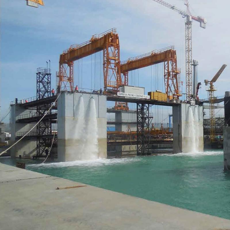 """<div class=""""gallery__box__caption"""">Opere strategiche porto di Civitavecchia</div>"""